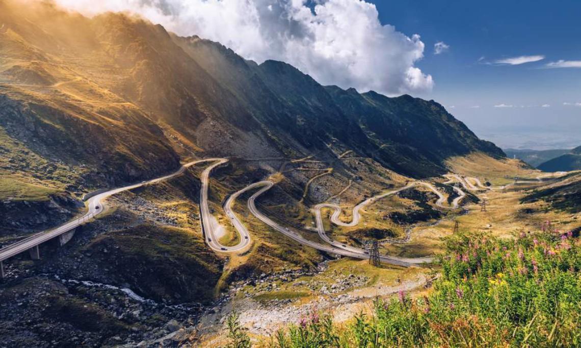 Cele mai spectaculoase trasee din România pe care să le parcurgi cu mașina (1)