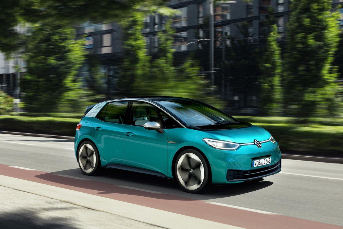 Softul aflat pe mașinile Volkswagen ID.3 este românesc și are probleme